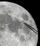 Vollmond mit Airliner-Transit